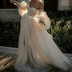 Dresses & Skirts - Emblished sweetheart neckline gown